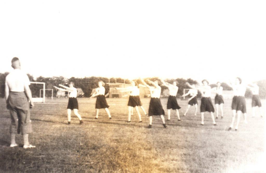 1934 gymles buiten