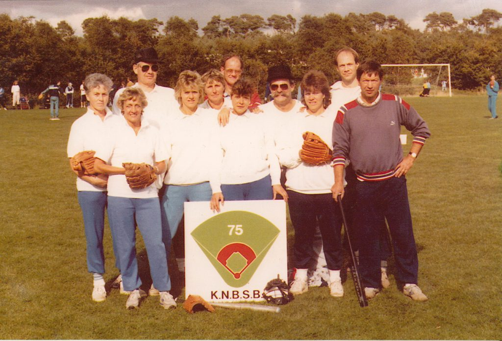 1987 recreanten SB 75 jaar KNBSB