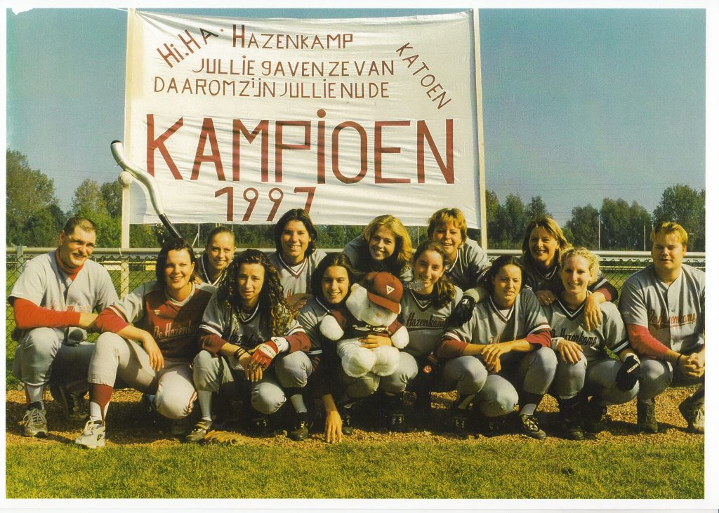 1997 Softbal dames 1 kampioen